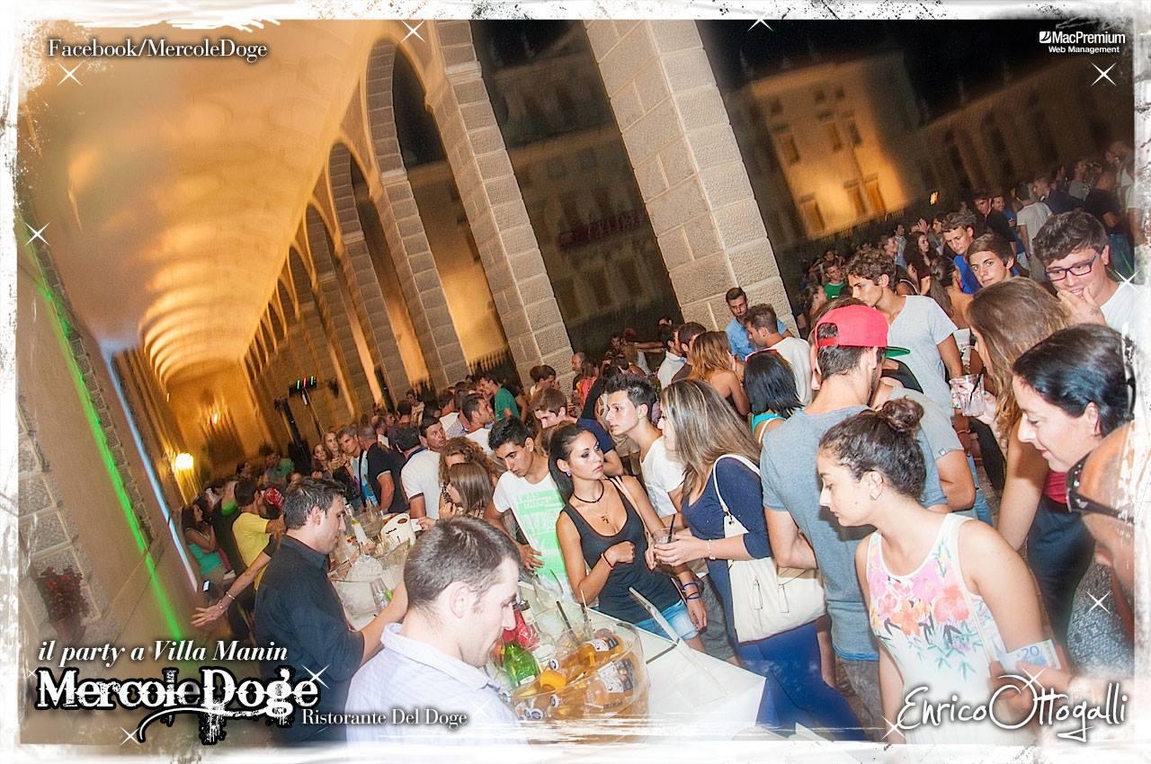 mercoledoge 05 22.07.2015   MercoleDoge a Villa Manin. Il party da conti.
