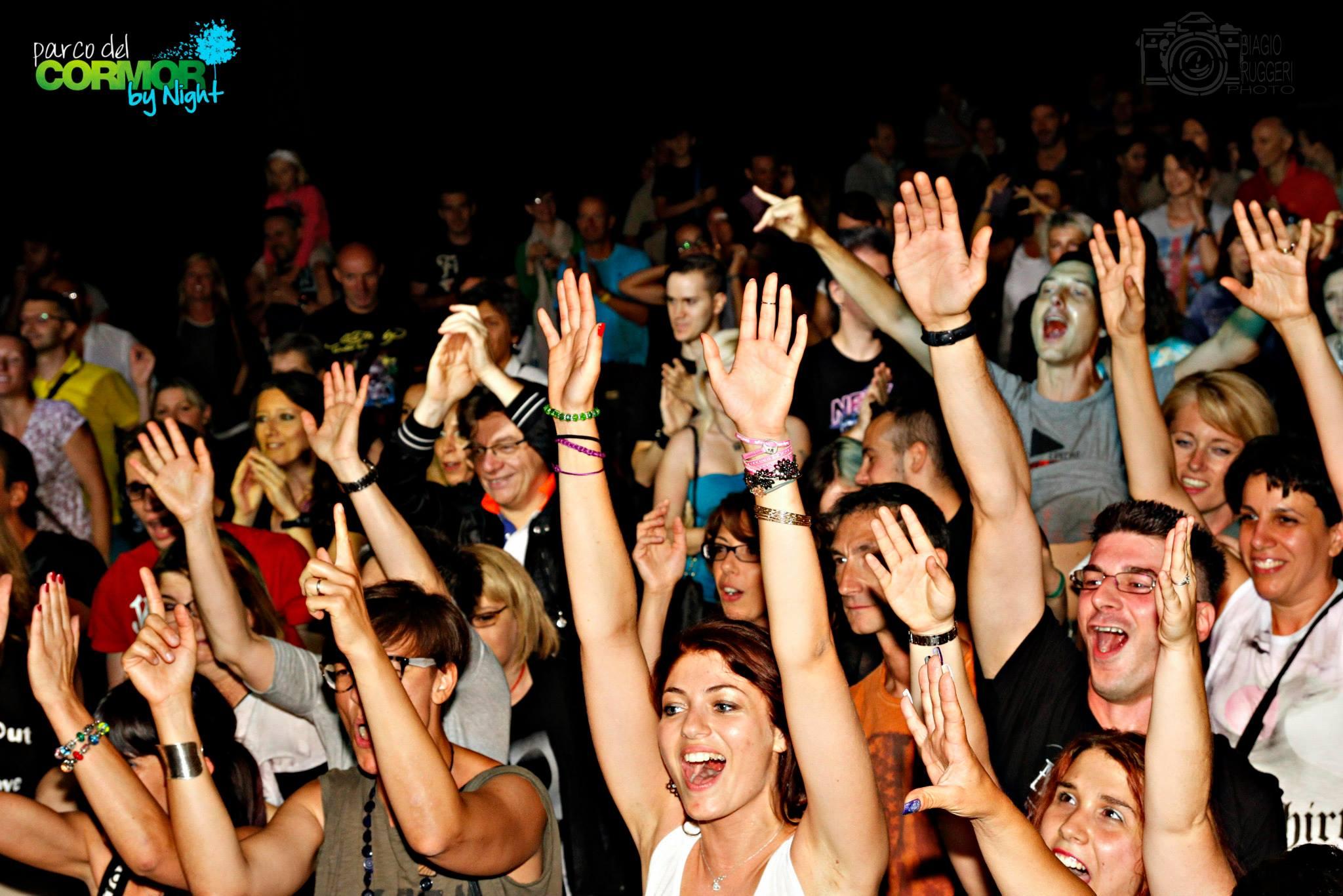 pubblico 10 24.07.2015   Women in Rock festival, concerto Living Dolls a Udine. Parco del Cormor.