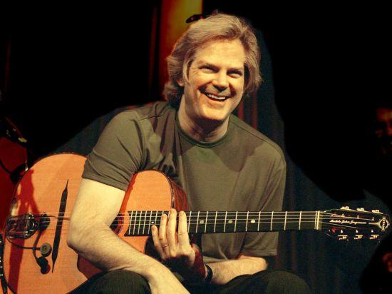 %name JOHN JORGENSON   Il chitarrista e polistrumentista statunitense live in Friuli Venezia Giulia